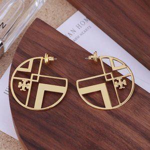 🎁NWT Tory Burch Cutout C-Shaped Earrings